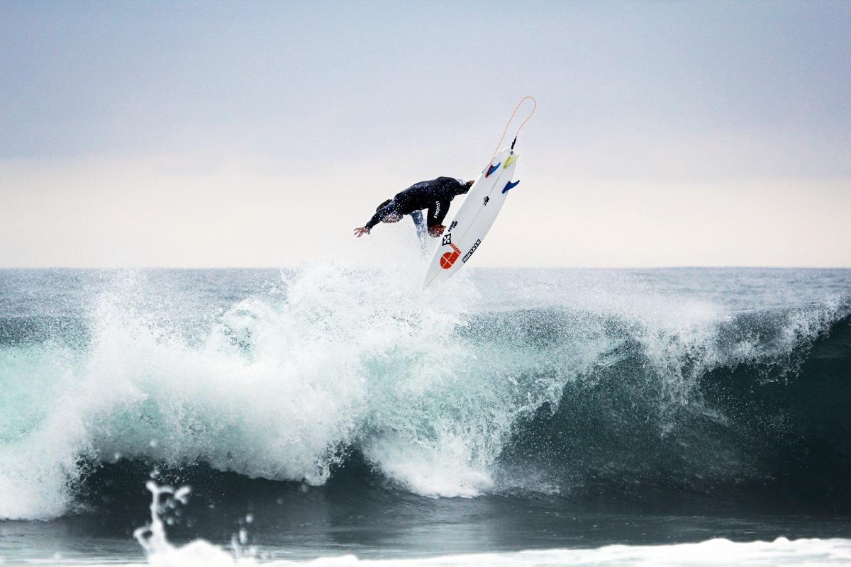 stylingsurfboards-jatyr-berasaluce-backside-air-02